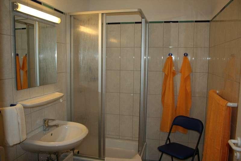 Badezimmer bildergalerie ferienwohnungen holm ostsee for Badezimmer bildergalerie
