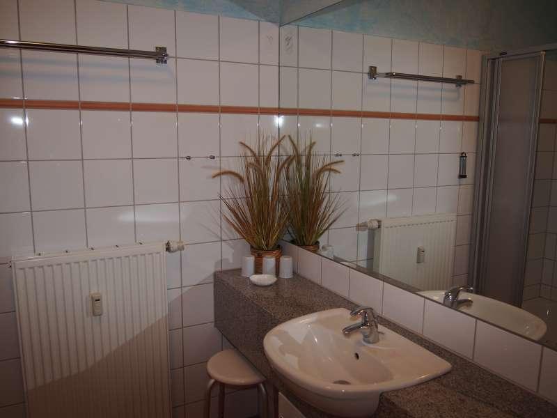 Badezimmer bildergalerie k hlungsborn ferienwohnungen for Badezimmer bildergalerie