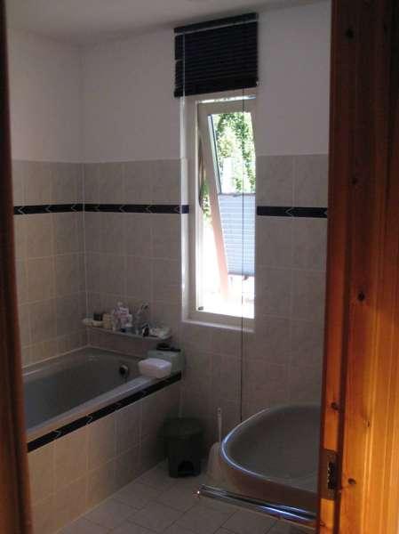 Bad mit dusche wanne wc bildergalerie ostsee wohnung for Dusche bildergalerie
