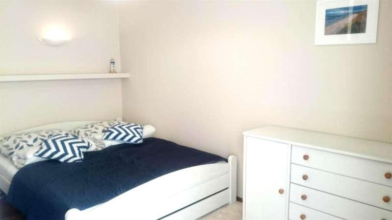 schlafzimmer blau bildergalerie ostsee kolberg ferienwohnung polen appartement polnische. Black Bedroom Furniture Sets. Home Design Ideas