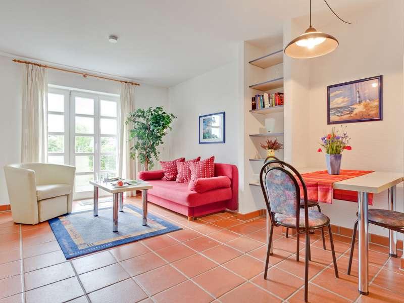 ferienwohnung dranske ostsee ferienunterkunft dranske ferienwohnung 35m r gen insel. Black Bedroom Furniture Sets. Home Design Ideas