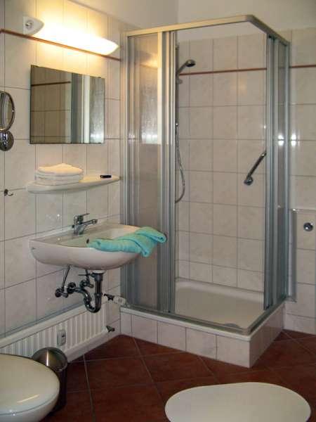 badezimmer bildergalerie ostsee ferienwohnung sch nberg fewo foe227 schleswig holstein kueste. Black Bedroom Furniture Sets. Home Design Ideas