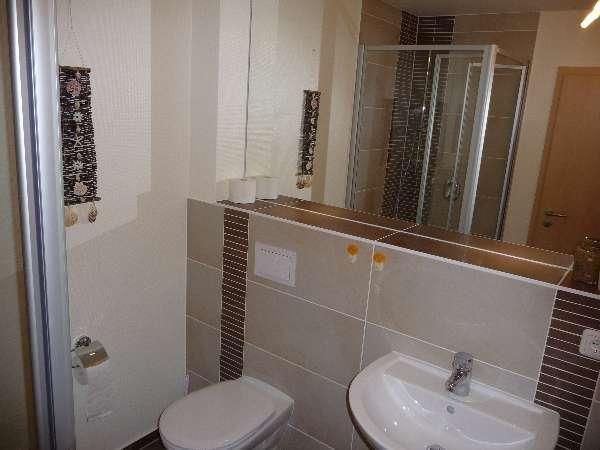 schönes Badezimmer mit Dusche - Bildergalerie: Ostsee ...