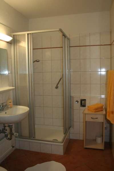 badezimmer bildergalerie ostsee ferienwohnung sch nberg. Black Bedroom Furniture Sets. Home Design Ideas