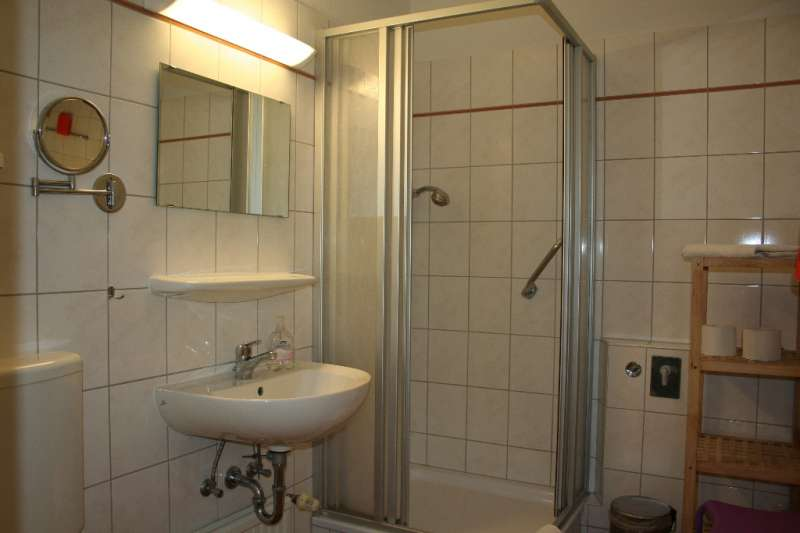 badezimmer bildergalerie ostsee ferienwohnung sch nberg fewo foe225 schleswig holstein kueste. Black Bedroom Furniture Sets. Home Design Ideas
