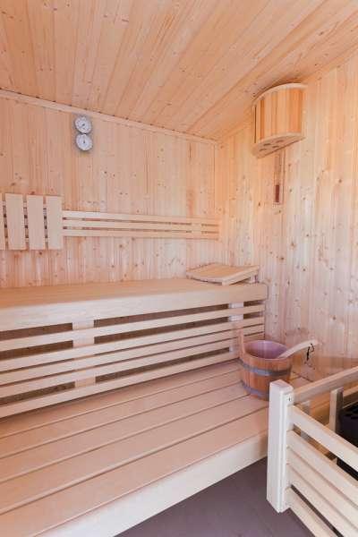 die sauna zum entspannen bildergalerie ostsee ferienhaus mit sauna in bodstedt. Black Bedroom Furniture Sets. Home Design Ideas