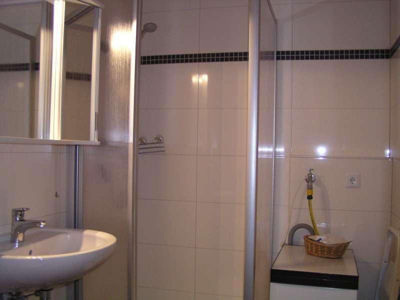 badezimmer bildergalerie sch nberg urlaub an der ostsee fewo fof341 schleswig holstein kueste. Black Bedroom Furniture Sets. Home Design Ideas