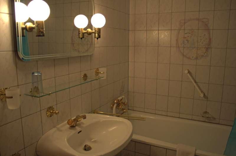 badezimmer bildergalerie sch nberg urlaub an der ostsee. Black Bedroom Furniture Sets. Home Design Ideas