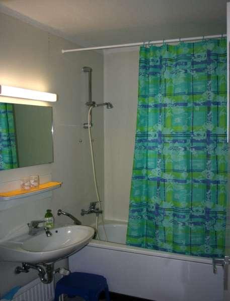 badezimmer bildergalerie sch nberg urlaub an der ostsee fewo fos106 schleswig holstein kueste. Black Bedroom Furniture Sets. Home Design Ideas