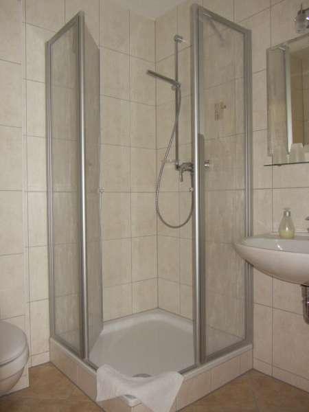 Bad dusche bildergalerie graal m ritz ostsee for Dusche bildergalerie