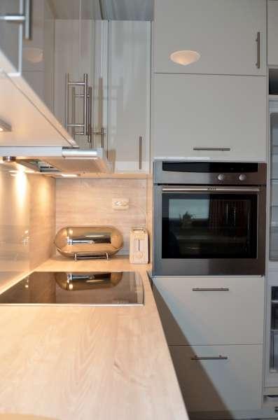 Modern eingerichtete k che bildergalerie ostsee for Eingerichtete wohnzimmer modern