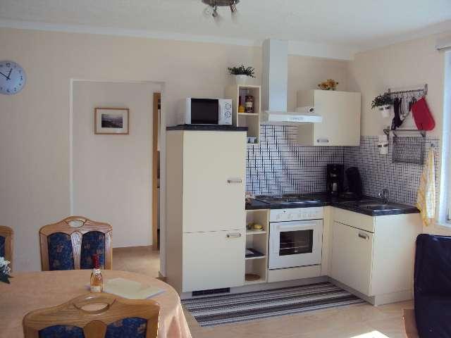 helle offene k chenzeile bildergalerie ostsee ferienhaus nahe k hlungsborn gersdorf. Black Bedroom Furniture Sets. Home Design Ideas